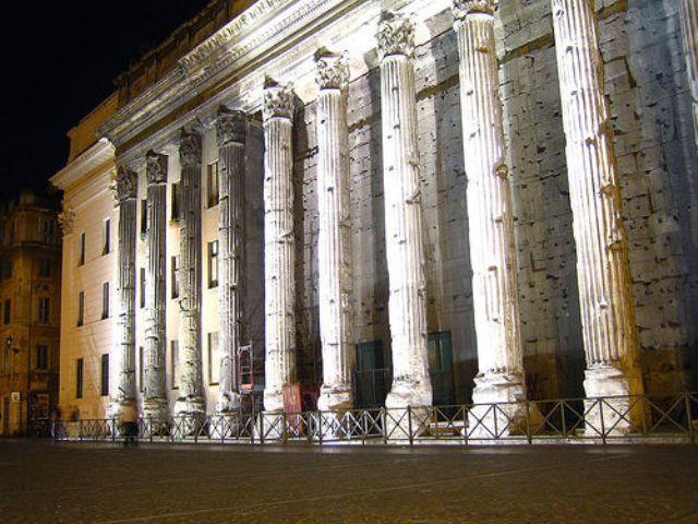 11 hadrianeum-piazza-di-pietra-roma