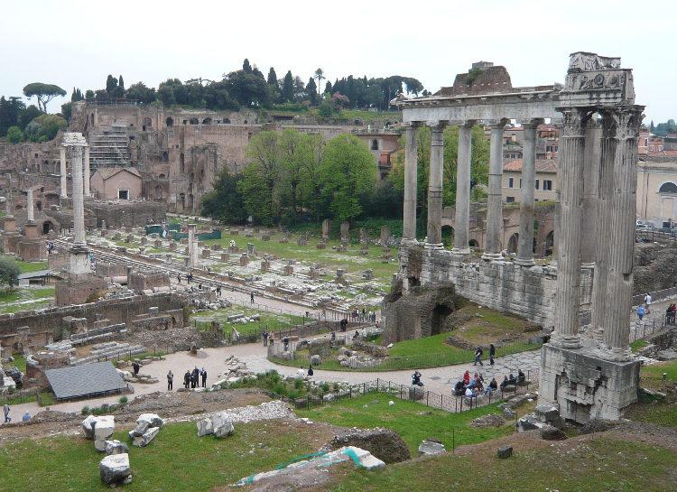 Tempio_di_Vespasiano